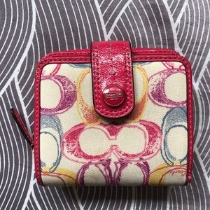 SALE: Authentic Coach Scribble Small Wallet.